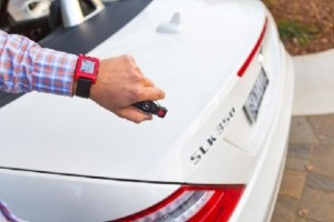 Mercedes-Benz smart watch connects the driver to the car
