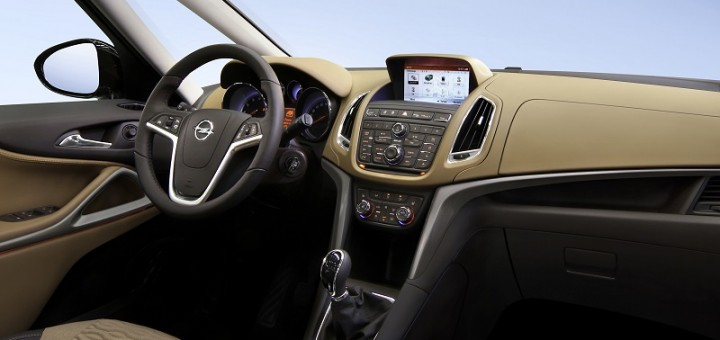 Opel Zafira Tourer now offered with IntelliLink infotainment