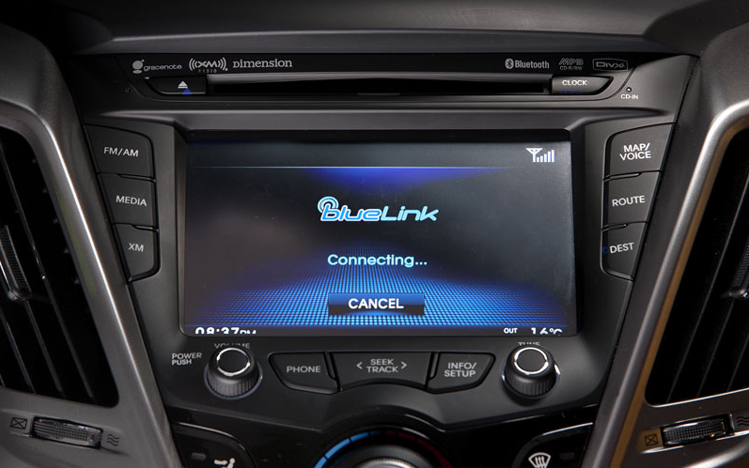 hyundai s blue link telematics will get support from. Black Bedroom Furniture Sets. Home Design Ideas