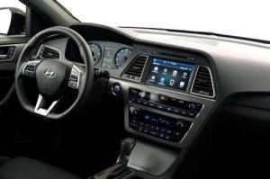 Hyundai_Sonata_Blue-Link_infotainment