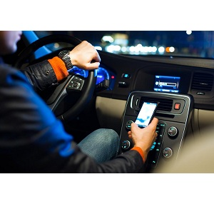"Smartphone in Cars: ""Engaging, Potent and Distracting!!!"""