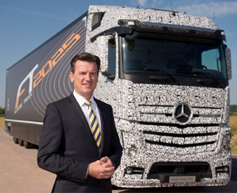 World Premiere: Daimler 'Self-Driving Truck' could hit the roads in next 10 years