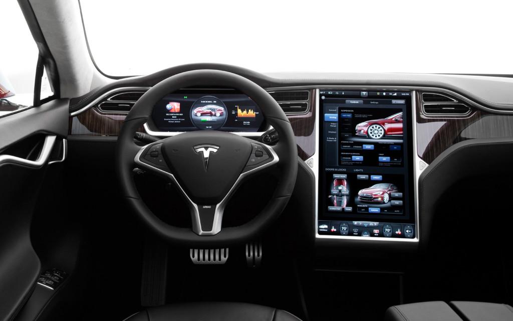 Tesla_Model_S_v6.0_update_traffic
