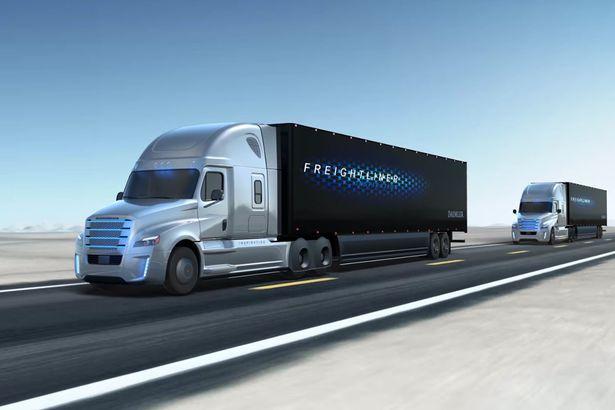 Daimler_Trucks_Platoon_driverless